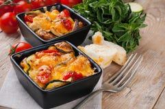 Dois pratos da caçarola vegetal imagens de stock royalty free