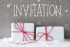 Dois presentes com flocos de neve, convite do texto Foto de Stock