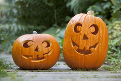 Dois pumkins de Halloween Fotos de Stock Royalty Free