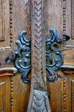 Dois punhos de porta velhos do ferro imagem de stock