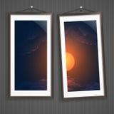 Dois quadros da imagem em uma parede velha listrada Foto de Stock