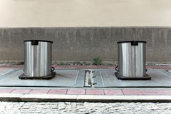 Dois recipientes subterrâneos Fotografia de Stock