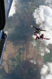 Dois skydivers retiram um plano Fotografia de Stock