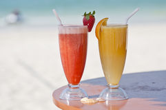 Dois sucos de fruto fresco Foto de Stock Royalty Free