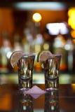 Dois tiros do tequila com cal e sal Imagem de Stock Royalty Free