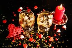 Dois vidros com álcool e gelo Imagens de Stock