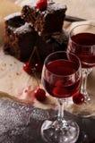 Dois vidros com licor da cereja Imagens de Stock