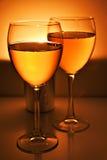 Dois vidros de vinho imagem de stock