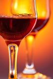 Dois vidros de vinho vermelho Fotos de Stock