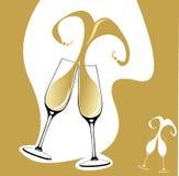 Dois vidros do champanhe com respingo dado forma coração Fotos de Stock