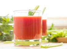 Dois vidros do suco de tomate Fotografia de Stock Royalty Free