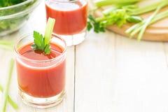 Dois vidros do suco de tomate Foto de Stock Royalty Free
