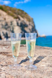 Dois vidros do vinho branco Foto de Stock Royalty Free