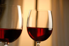 Dois vidros do vinho tinto Fotos de Stock Royalty Free