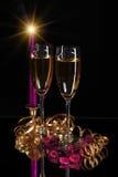 Dois vidros e velas Fotografia de Stock
