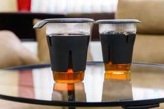 Dois vidros modernos do chá imagem de stock royalty free
