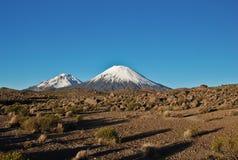 Dois vulcões fotografia de stock royalty free