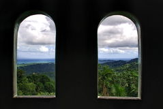 Dois Windows com uma vista Fotos de Stock Royalty Free
