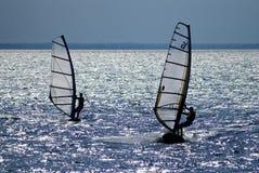 Dois windsurfers Fotos de Stock Royalty Free