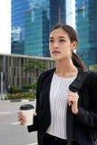 Dojeżdżać do pracy azjatykciej biznesowej kobiety fotografia stock