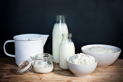 Dojni produkty, dojny biały biały sposób, Obraz Royalty Free