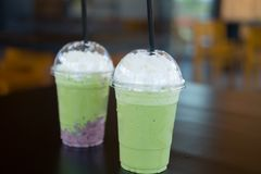 Dojny zielonej herbaty smoothie Zdjęcie Stock