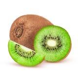 Dojrzała cała kiwi owoc i połówka kiwi owoc na białym tle Zdjęcia Stock