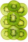Dojrzała i soczysta kiwi owoc i swój części fotografia stock
