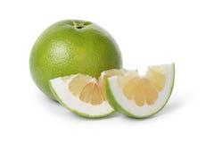 Dojrzała zielona sweetie owoc z plasterkami zdjęcie stock