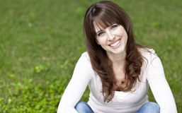 dojrzałego portreta uśmiechnięta kobieta Obrazy Stock