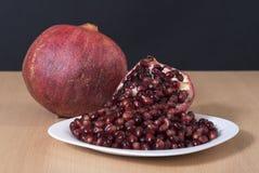 Dojrzała granatowiec owoc, ziarna i Obrazy Stock