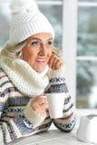 Dojrzała kobieta pije herbaty Zdjęcie Stock