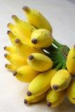 Dojrzali organicznie banany. zdjęcia stock