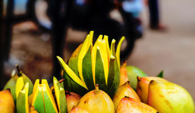 Dojrzewa mango dla sprzedaży Obrazy Royalty Free