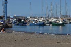 Dok łodzie w Tenerife wyspach kanaryjska zdjęcia royalty free