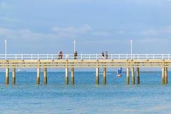 Dok bij Vreedzame Oceaan, Zoutmeren, Ecuador stock foto