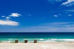 Dok en blauwe hemel stock fotografie