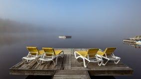 Dok op Lak mont-Tremblant Superieur, Quebec, Canada stock fotografie