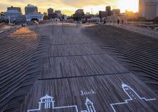 Dok in Yokohama op de achtergrond van de zonsonderganghemel Reis rond Japan Stock Afbeelding