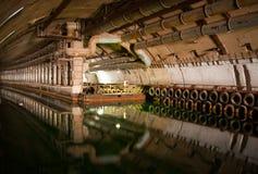 dokowanie wojskowy naprawia łódź podwodną obrazy royalty free