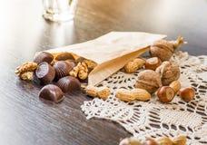 Dokrętki i czekolada Fotografia Royalty Free