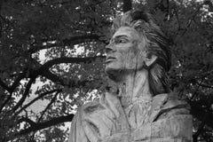 Doksy, Macha ` s土地,捷克共和国- 2016年10月29日:卡雷尔Hynek Macha雕象 图库摄影