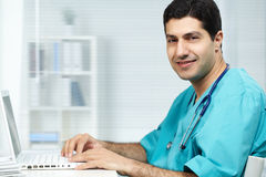 Doktor bei der Arbeit Lizenzfreies Stockbild