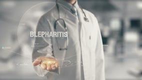 Doktor, der in der Hand Blepharitis hält Stockfoto