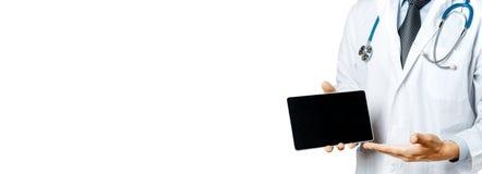 Doktor, der Tablette, Ergebnisse der Prüfung und Datenausrichtung, geduldige Zustimmung verwendet Gesundheitspflege und Medizin stockfotos
