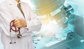 Doktor im Laborkonzept stockfoto