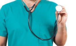 Doktor med en stetoskop i händerna Arkivfoton