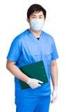 Doktor mit Klemmbrett Stockfoto