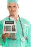 Doktor mit Rechner lizenzfreie stockfotos