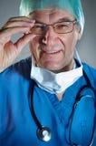 Doktor mit Schablone Lizenzfreies Stockfoto